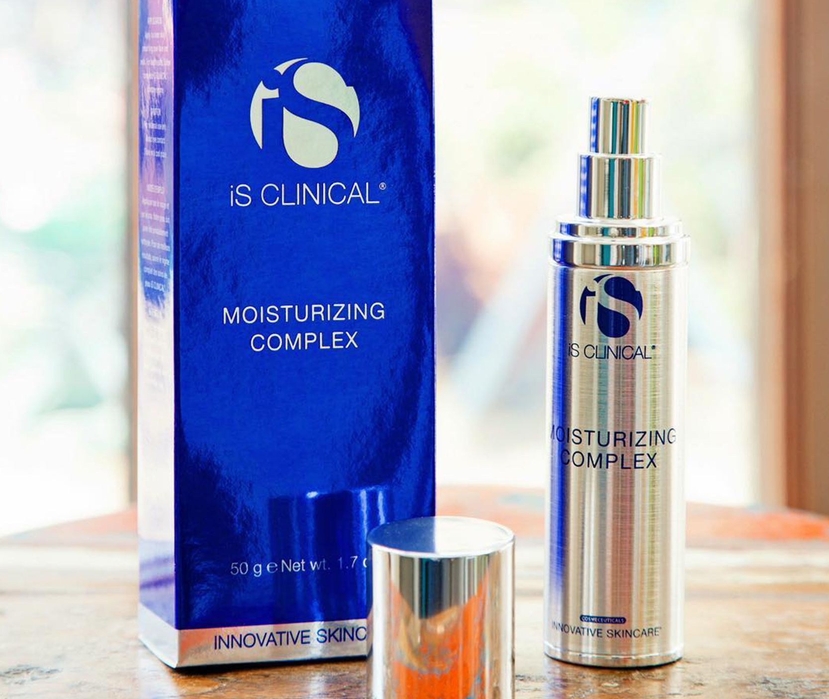 iS Clinical: Moisturizing Complex
