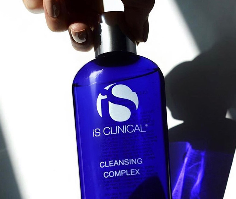 iS Clinical: Cleansing Complex