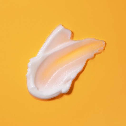 Indeed Labs Vitamin C24 Brightening Moisturiser Cream Texture